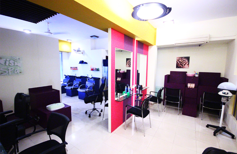 Glowing Package! Janssen Whitening Facial + Face Polish + Mint Protein Hair Treatment + Manicure + Hand Polish +Feet Polish + Pedicure + Upper lips & Eye brow Threading at The Beauty Lounge