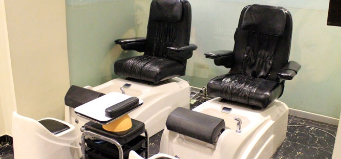 Full Body Massage + Hot Oiling + Wash and Blow dry + Express Face Cleansing + Two Parts Of Threading at The Beauty Room Salon Gulberg, Lahore.