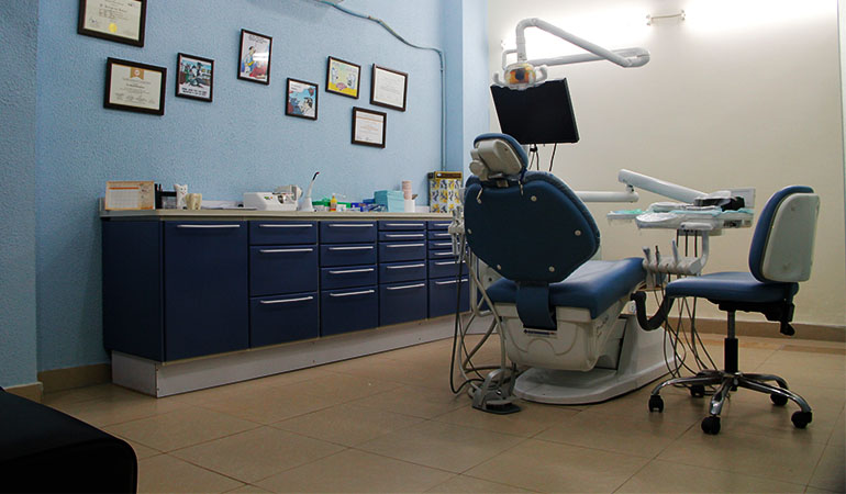 Lahore Deal Alert: 69% off, Rs. 2499 only for Shine and beam!  Scaling + Polishing + Dental Consultation at Dr. Nauman & Associates, DHA Lahore