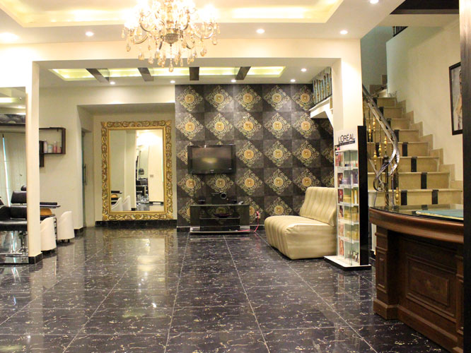79% off, Rs 1999 only for Whitening Facial + Whitening Face Bleach + Polisher and Glow + Hair Cut + Hair Treatment with Wash + Hand and Feet Bleach + Whitening Glow Manicure and Pedicure + Eyebrow and Upper Lip Threading at Le-Reve Beauty Salon Gulberg Lahore.