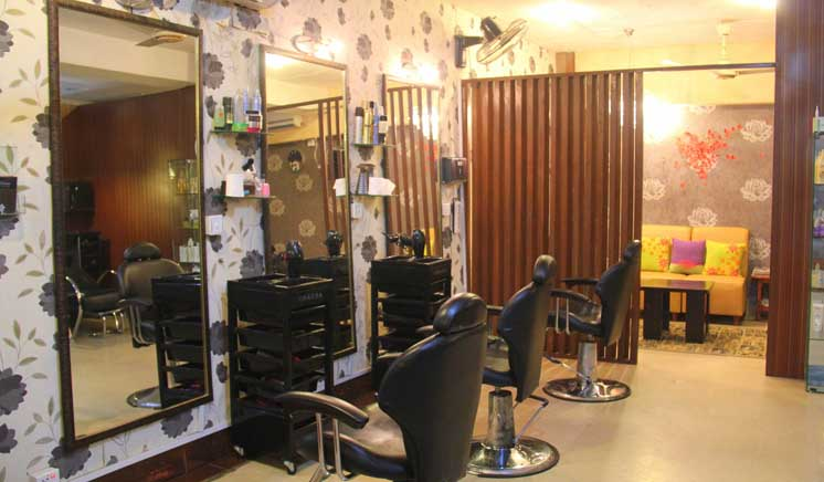 Full Body Polisher + Full Body Scrub + Derma Clear Faicial/Postquam Faicial + Face Polisher + Back & Neck Polisher + Full Arms & Feet Polisher + Spa Manicure & Pedicure + Back & Shoulder Massage + Hair Protein Treatment or Hair Cut and Wash + Eyebrows & Upper Lips Threading at Beautylicious the Salon DHA Phase 2 Lahore.