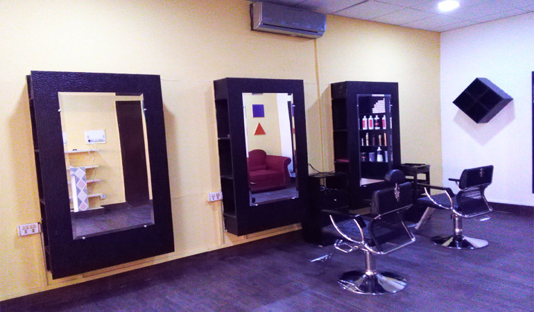 Herbal Whitening Facial + Whitening Manicure + Whitening Pedicure + Half Arms Wax + Upperlips & Eye Brows Threading at Rafis Beauty Salon