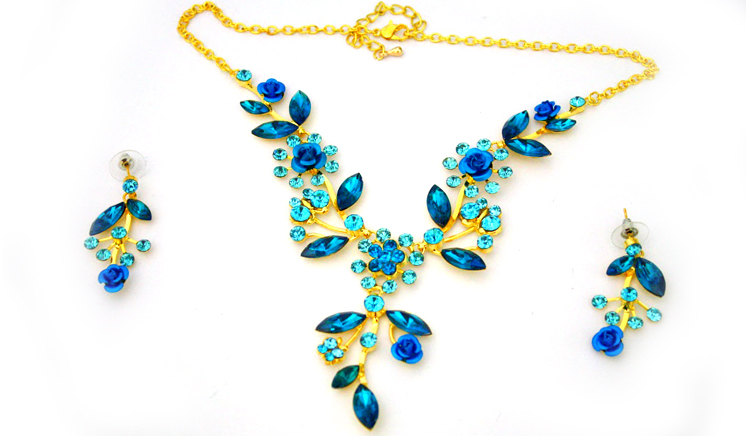Gold Plated Jewelry Set with Studded Australian Crystals
