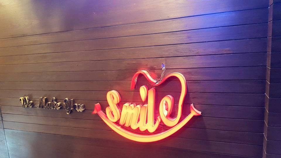 Beautiful Smile! Get Dental Scaling + Dental Polishing + Oral Hygienic Brushing Techniques + Fluoride Filling + Consultation From The Smile Studio Y Block DHA, Lahore.